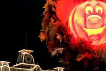 Disney Fall and Halloween / Seasonal fall and Halloween fun at Walt Disney World, Disneyland, Disney Cruise, and at home decor