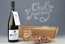 Dárkové balíčky Chuť Moravy / Dárkové balíčky kombinující delikatesy Chuť Moravy s moravskými víny.