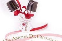 Un Amour De Chocolat / Pourquoi ne pas déclarer son amour avec de délicieux chocolats ?  Une bonne idée de cadeaux faire fondre sa Juliette ou son Roméo.