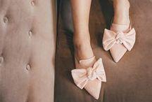 Flattered x Linda Juhola / Flattered together with Linda Juhola have designed this feminin slip-in shoe in four wonderful colors.