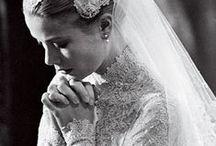 Vestidos de noiva icônicos e vintage / Os vestidos de noiva mais icônicos e famosos da história nacional e internacional: princesas, rainhas, atrizes de cinema, cantoras, modelos e celebridades. Não esquecemos nem dos vestidos de noiva que ficaram famosos em filmes de cinema e TV.