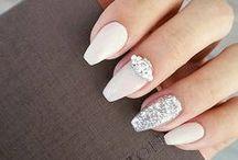 Manicure para noiva / Se inspire e escolha a manicure ideal para o grande dia: fizemos uma seleção das unhas, esmaltes e nail art mais bonitas para noivas.