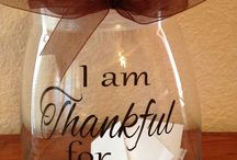 Full of THANKS / Thanksgiving inspired decor, recipe ideas, fun crafts to do with kids.  Board to get you in that spirit of gratitude and lost of food with family.