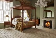 Four Poster Beds / The king of beds, and the bed of kings - the four poster bed will create a dramatic focal point in any bedroom. Nothing makes quite as grand a statement as a four poster bed. At And So To Bed, we have a carefully crafted four poster for most moods and schemes, beds that truly sing in both contemporary and heritage surroundings.