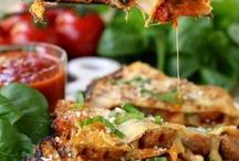 Pizza Pizza! / Pizza recipes of all types for you to make at home.