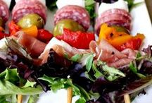Salad and Dressing Recipes / Salad and dressing recipes of all kinds...to make me eat more!