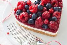 Heart cakes and treats