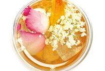 Erfrischende Eistee-Rezepte / Unsere Bio-Blatt-Tees können auch kalt aufgegossen werden und gerade im Sommer als erfrischender Eistee genossen werden. Hier haben wir Dir ein paar Rezeptideen für Eistee zum selbermachen zusammengestellt.