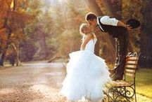 Inspiring Wedding Photography / Want to create that magical moment with that photo of your beautiful wedding? Photo images that inspire your wedding dream.