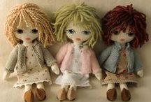 Dolls / Puppen und Skulpturen