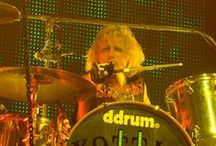 Drummers / Drummers... What else !