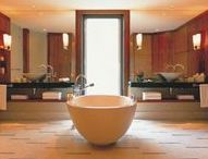Bathrooms to Die For / The ultimate in bathrooms