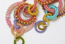 bijuterias em crochê / by juçara moro