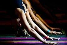 Stretch it out / We all need to stretch, right? Les séquences d'étirement pour allonger les muscles et la silhouette sont très importants dans la méthode BarreShape, et complètent le renforcement musculaire à la barre ou au sol et les exercices cardio vasculaires pour brûler les graisses.