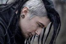 goth <3 ~.~