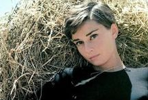 Audrey Hepburn / photographing Audrey /poses/ideas/style