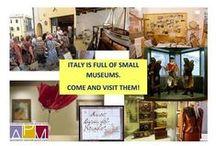 #smallmuseumtour / Un'iniziativa nata grazie a http://www.piccolimusei.com/ . Vuoi visitare un museo ma la distanza e il tempo te lo impedisce? Twitter ti permetterà di farlo e con una guida di tutta eccezione...