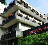 AKZENT Hotel Körner Hof*** / Das privat geführte AKZENT Hotel Körner Hof befindet sich in ruhiger citynaher Lage von Dortmund. 28 komfortable Zimmern sowie ein großzügiger Sauna- und Schwimmbadbereich steht Geschäfts- und Privatreisenden zur Verfügung. Ein modern ausgestatteter Besprechungsraum für bis zu 15 Teilnehmer ergänzt das Hotelangebot.   || Kontakt: AKZENT Hotel Körner Hof, Hallesche Straße 102 44143 Dortmund (Körne) | Tel.: +49 (0)231 5620840 | E-Mail: info@hotel-koerner-hof.de | www.akzent.de/dortmund
