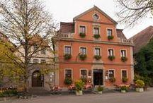 AKZENT Hotel Schranne*** / Das AKZENT Hotel Schranne befindet sich in der historischen Altstadt von Rothenburg ob der Tauber. Im gemütlichen Restaurant und zur Sommerzeit im Schrannengarten können Gäste gutbürgerliche Küche mit bayerischen und fränkischen Spezialitäten aus eigener Herstellung genießen.  || Kontakt: AKZENT Hotel Schranne, Schrannenplatz 6, 91541 Rothenburg ob der Tauber | Tel.: +49 (0)9861 95500 | E-Mail: info@hotel-schranne.de | www.akzent.de/rothenburg-ob-der-tauber