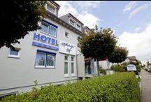 AKZENT Hotel Möhringer Hof*** / Das AKZENT Hotel Möhringer Hof überzeugt als Business- und Musicalhotel durch eine ideale Lage und Nähe zur  Messe Stuttgart und dem Flughafen. Das SI-Centrum mit den Musicaltheatern Apollo und Palladium ist zu Fuß im gleichen Stadtteil zu erreichen.  || Kontakt: AKZENT Hotel Möhringer Hof, Hechinger Straße 64-68, 70567 Stuttgart | Tel.: +49 (0)711 719700 | E-Mail: info@hotel-moehringerhof.de | www.akzent.de/stuttgart