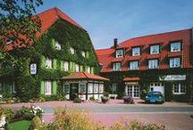 AKZENT Hotel Gut Höing*** / Das AKZENT Hotel Gut Höing liegt in Unna, am östlichen Rand des Ruhrgebiets  in angenehm ruhiger und grüner Lage, mit besten Verkehrsanbindungen nach Dortmund sowie in die Regionen Haarstrang und Umgebung. Das Hotel verfügt über insgesamt 48 unterschiedlich eingerichtete Zimmer und Apartements in 3 verschiedenen Gebäuden.  || Kontakt: AKZENT Hotel Gut Höing, Ligusterweg, 59425 Unna | Tel.: +49 (0)2303 96866 0 | E-Mail:mail@hotel-gut-hoeing.de | www.akzent.de/unna