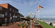 AKZENT Strandhotels Seestern & Delphin***S / Durch die exklusive Deich- und Strandlage der AKZENT Strandhotels Seestern & Delphin genießen Gäste von jedem der insgesamt 21 modern eingerichteten Zimmer stets einen herrlichen Ausblick über die Nordsee. Beide Hotels verfügen über ein hauseigenes Restaurant mit angrenzendem Terrassenbereich.  || Kontakt: AKZENT Strandhotels Seestern & Delphin, Südstrand 118, 26382 Wilhelmshaven | Tel.: +49 (0)4421 94100 | E-Mail: info@hoteldelphin.de | www.akzent.de/wilhelmshaven