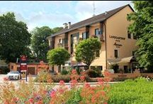 AKZENT Hotel Landgasthof Murrer / Das familiengeführte AKZENT Hotel Landgasthof Murrer mit 24 Zimmern liegt in Aiterhofen in Niederbayern. Eine ausgezeichnete monatlich wechselnde bayerische Slow-Food Küche erwartet die Gäste. Das Hotel bietet den passenden Rahmen und Raum für Veranstaltungen aller Art.  || Kontakt: AKZENT Hotel Landgasthof Murrer, Passauerstr. 1, 94330 Aiterhofen | Tel.: +49 (0) 94 21 - 99 43 - 0 | E-Mail: info@murrerhof.de |