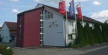 AKZENT Hotel Residenz / Das AKZENT Hotel Residenz liegt ruhig und zentral am Rande der historischen Altstadt von Bad Neustadt und bietet 30 komfortabel ausgestattete Zimmer und Juniorsuiten. Die Tagungsmöglichkeiten des Hotels bieten den idealen Rahmen für eine gelungene Veranstaltung von 5 bis 500 Personen.  || Kontakt: AKZENT Residenz, An der Stadthalle 5, 97616 Bad Neustadt | Tel.: +49 (0)9771 901 0 | E-Mail: info@hotelresidenz-nes.de | www.akzent.de/hotel-bad-neustadt-an-der-saale