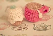 knit & crochet / by Karen Cheng