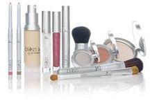 Blèzi Cosmetics / Blèzi Cosmetics, een Nederlands direct verkoop bedrijf, produceert make-up en huidverzorgingsproducten van zeer hoogwaardige kwaliteit en met internationale allure. Oprichtster en eigenaresse Miranda Hazenberg werd gegrepen door het idee om de producten waar zij al 23 jaar mee werkte op een compleet nieuwe manier te benaderen en in de markt te zetten.