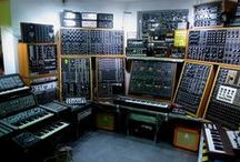Synths, StudioGear, Plugins / Analog and digital gear you can find in a recording studio.