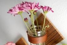 Upcycling Craft Ideas / DIY projects and inspiration for upcycling. Up-cycled craft project ideas.