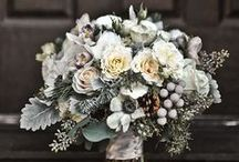 Wedding flowers and decorations / Floral decorations for ceremonies and receptions. Wedding flowers, bouquets, posies and center pieces.