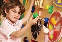 ⚘ Paredes y paneles sensoriales / ¿Cómo despertar los sentidos y estimular el tacto?  Crea paredes y paneles sensoriales para enseñarle las diferentes texturas, colores y formas divirtiéndos.
