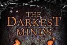 The Darkest Minds Trilogy / The Darkest Minds Trilogy (books by Alexandra Bracken)