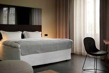 Nobis Hotel / Vi är stolta att ha fått leverera gardiner till Nobis Hotel. Albumet innehåller urval av rummen som finns hos Nobis.