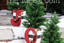 Christmas Decorations Outside / by Sandra Gregory