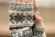 KNITS FOR THE HANDS / by Pam Parady Fitch