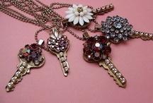 necklace key