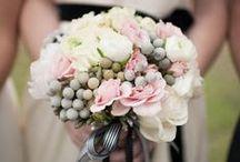 Buquê/ Bouquets / Já sabe como vai ser o seu buquê de Noiva? Temos belíssimas idéias!