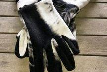 Couture - Accessoires utiles / pochettes portefeuilles porte-monnaie trousses ipod étui portable vanity  étui à mouchoirs voiture gants porteclés