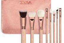 Kits de Maquiagem e Pinceis / Kits de pinceis de maquiagem profissionais com bolsa porta acessórios. Tudo em moda feminina.