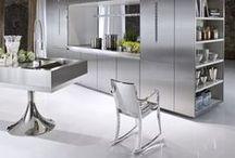 Stainless Steel inspiration / Stainless steel is a very attractive material to use in an architectural environment en in kitchen design. RVS is een aantrekkelijk materiaal om toe te passen in architectuur en keukenontwerp.