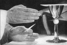 """Układ rąk kapłana podczas tradycyjnej mszy świętej / Ilustracje pochodzą z książki """"Hands at Mass"""", Walter Nurnberg, London, 1951"""