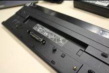"""PCNOVA Testing. Toshiba Hi Speed Port Replicator III / Hoy mostramos la Hi Speed Port Replicator III dentro de nuestro programa PCNOVA Testing. Disfruta el detalle de conocer este producto. PCNOVA Testing son pruebas que realizamos a productos de IT Profesionales, donde describimos que nos gusta y que no de los dispositivos que vamos probando. Puedes verlos en nuestro canal de Youtube, busca PCNOVA TCCC. Exponemos nuestras impresiones y buscamos la manera de colaborar con nuestros seguidores para que puedan """"probar"""" los equipos antes de adquirirlos"""