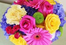 Bouquets & Boutonnieres / Stunning bouquets for every bridal party - Mostly by Kensington Events :)