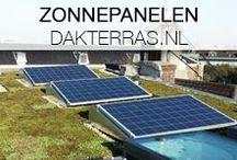 Zonnepanelen en groendak grachtengordel / De Amsterdamse daken worden steeds groener. Dakterras.nl helpt graag mee en zorgt er meteen voor dat je zelf energie kunt opwekken via de zonnepanelen