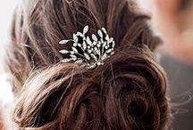 Inspiration coiffure et artifices ! / Parce que j'aime les cheveux longs, les accessoires de cheveux, le rouge à lèvres et le mascara...