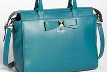 Beauty handbags ♡ / by Teresa Knezevich