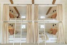 """Dormir aux ESCALES LITTORALES / Dormir Refuge Mer Océan, ça peut être dormir en dortoir ou """"bunk room"""" en s'inspirant de tous les endroits déjà créer de part le monde."""